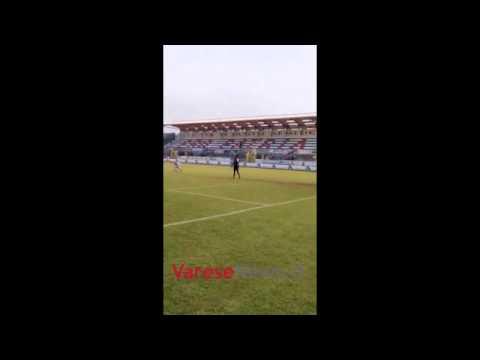 La Pro Patria segna, i tifosi esultano fuori dallo stadio