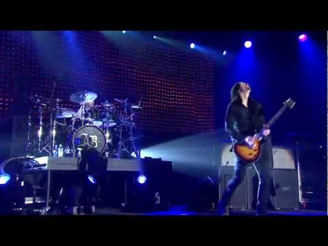"Alter Bridge Live From Wembley - ""Blackbird"""