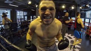 Crazy Boxer vs 4 wild fighters.