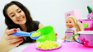 Жизнь Барби: Барби собирает Штеффи в детский сад!