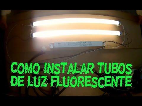 Cómo instalar luz fluorescente en una mesa de trabajo.