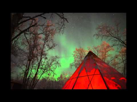 "Watch: Northern Lights ""Dance"" over Sweden in Time-Lapse Videos"