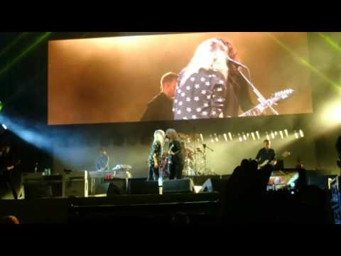 "Foo Fighters feat. Alison Mosshart "" La Dee Da""  live @ Open'er Festival Gdynia Poland  2017"