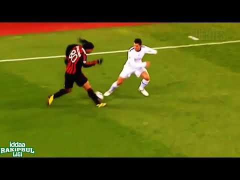 Ronaldinho Hareketi Halı Sahalarda!