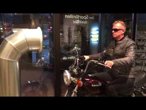 Gebogene Motorradbrille mit Sehstärke und selbsttönenden Gläsern von bikerbrillen.com