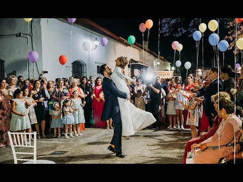 Preboda + sde Rafa y Tere (sme day edit) video proyectado antes del baile