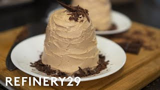 A Pro Chef Bakes Chocolate Cake In A Microwave | Good Chef, Bad Kitchen | Refinery29