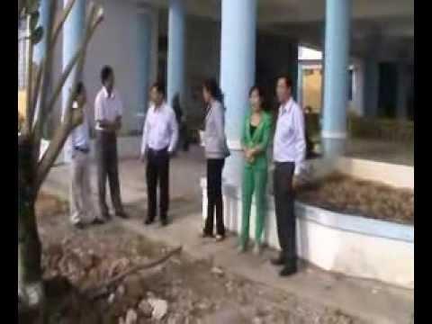 Thường vụ Thị ủy thăm và trồng cây lưu niệm tại trường MN Hà Tiên