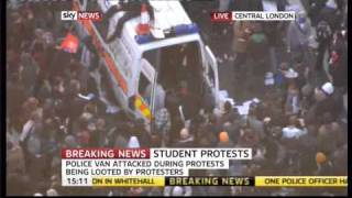 Students capture a police van in London Riots
