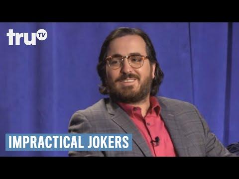 Výbuch raketového vědce - Impractical Jokers