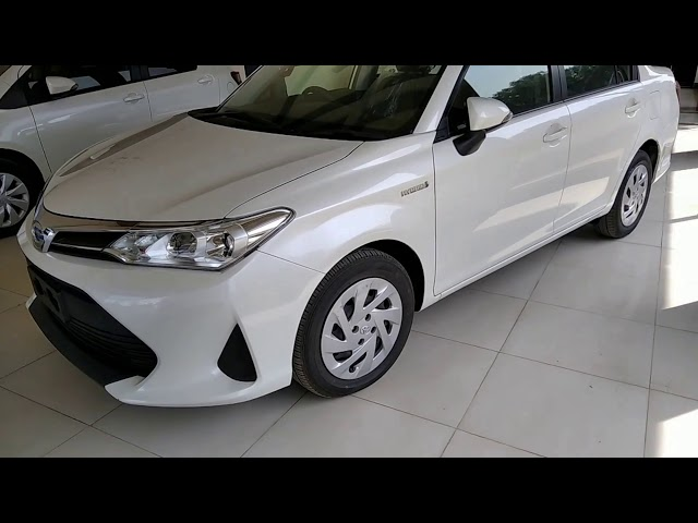 Toyota Corolla Axio Hybrid 1.5 2017 for Sale in Karachi