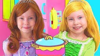Alice Pretend Princess & Plays W Kitchen Play Set
