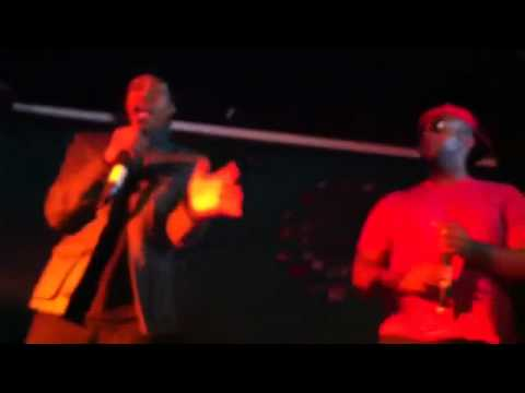 OE800 and Issues live at Club One #HipHop