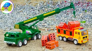 Crane and truck carrying construction bricks together - Toys for children F939C Kid Studio