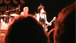 Joan Jett and the Blackhearts- I Love Playing With Fire [Spokane 9/15/2011]