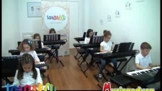 Sube la hormiguita - Grupo de alumnos de Mi Teclado 1 - Tararea Laboratorio Musical