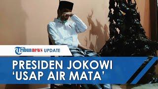 VIRAL Foto Presiden Jokowi seperti Tak Kuasa Tahan Tangis atas Kepergian sang Ibunda
