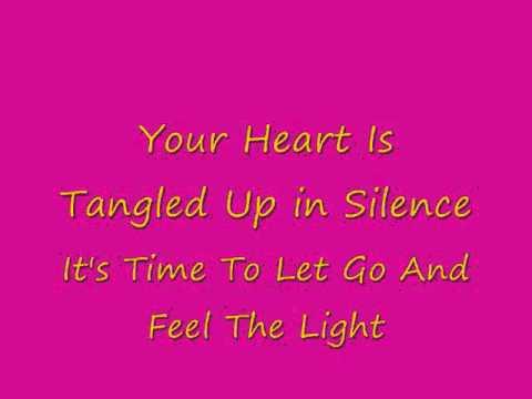 Música Feel The Light