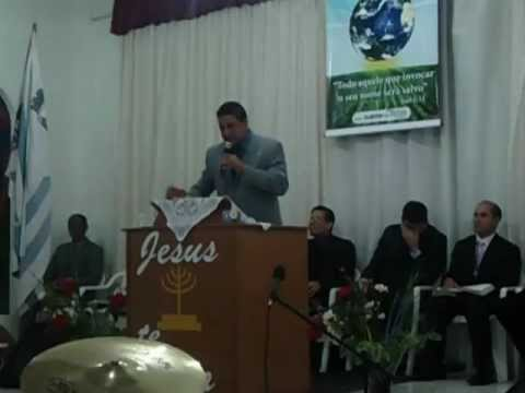 Eder Oliveira pregando em cambuquira