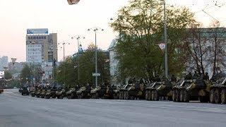 КРЫМ колона российских войск свободно передвигается по Крыму