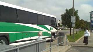 preview picture of video 'GO Transit bus in St. Catharines'