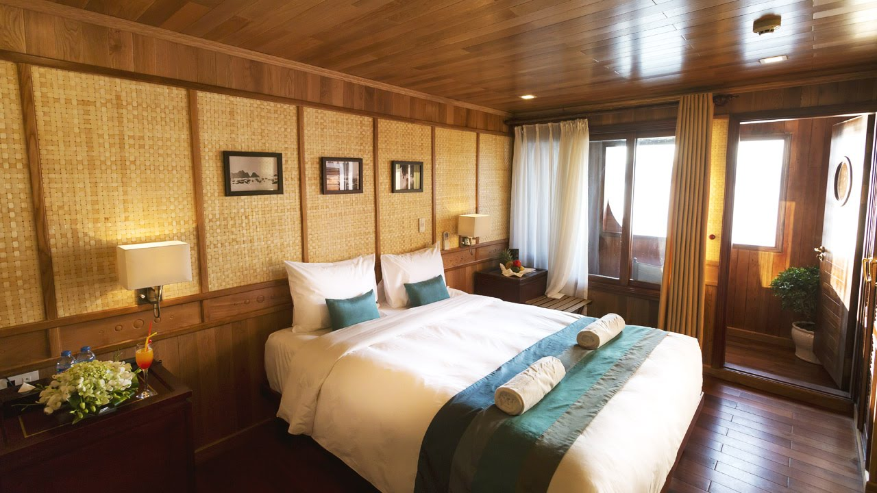 Premium Balcony Cabin on Bhaya Classic, Halong Bay, Vietnam