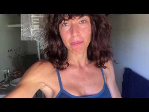 El vídeo del ejercicio para los pies para la quema de las grasas