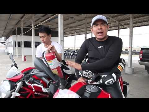 Test Ride Superbike vol 24 Ducati Monster 795 VS Monster 796