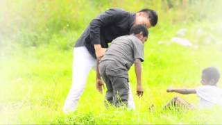 Papua Needs a Hug.avi(Ellya Assa)