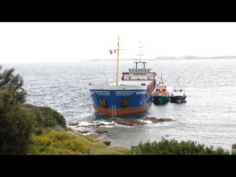 Corse-du-Sud: un cargo s'échoue au coeur de la réserve naturelle de Bonifacio | AFP Images Corse-du-Sud: un cargo s'échoue au coeur de la réserve naturelle de Bonifacio | AFP Images