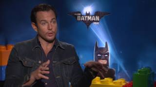 Will Arnett Uses Batman Voice To Order Chinese Food - Exclusive THE LEGO BATMAN MOVIE Interview