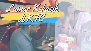 Pria Ini Lamar Kekasih di Restoran KFC, Videonya Viral di Medsos dan Dapat Hadiah Liburan Gratis