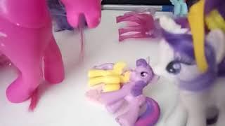 Мама купи мне пони!