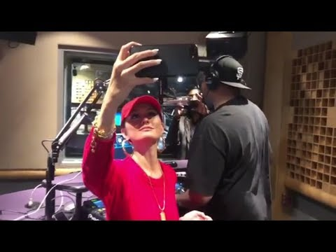 AGNEZ MO & Juicy J bumping to Overdose ft. Chris Brown (Remix)