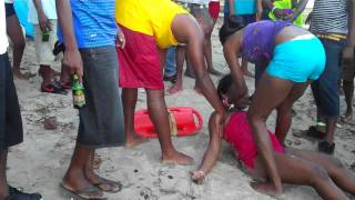Girl Almost Drown In SALLY BAY TOCO  24:7:2011