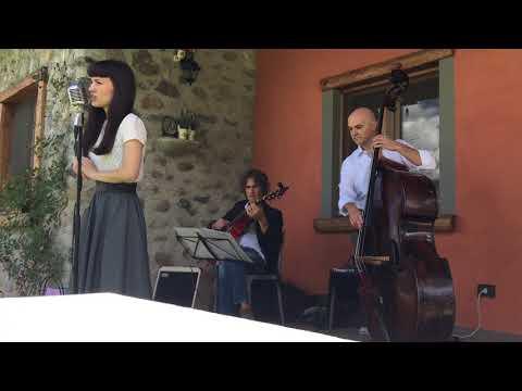 Swing Me Trio One More Kiss Dear