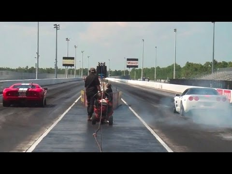 Ford Gt Vs Chevrolet Corvette Zr Drag Racing Heads Up   Mile Play