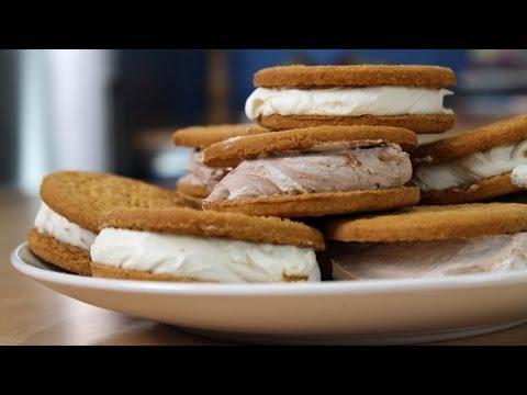 Εύκολο παγωτο-σάντουιτς από τον Ευτύχη Μπλέτσα