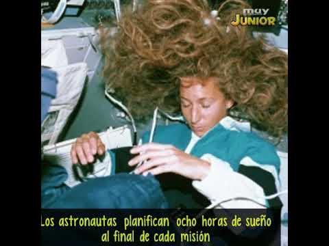 ¿Cómo duermen los astronautas en el espacio?