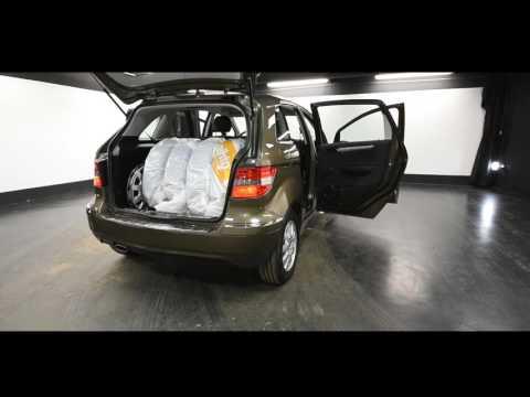 Mercedes-Benz B 180 BE Premium Business, Tila-auto, Manuaali, Bensiini, URF-169
