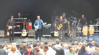 "10CC - ""The Dean And I"" - live @ Hvalstrandfestivalen 2017"