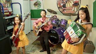 Los Luzeros De Rioverde Play Norteno Music for the Masses  | 40 Cartas
