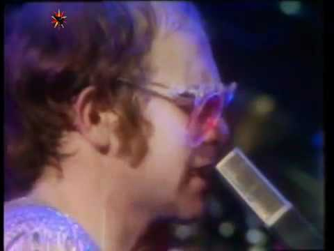 Elton John - Honky Cat (Live at Hammersmith Odeon in 1974)