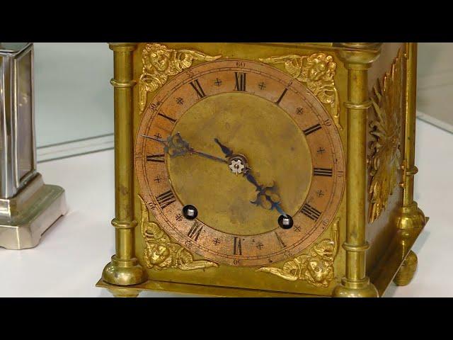 Опять идут старинные часы
