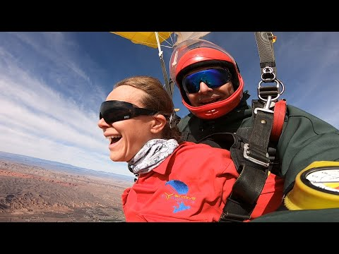 MEGAN DARGER - Tandem Skydive in Las Vegas at Skydive Fyrosity®