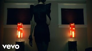 She Wants Revenge-Writen in blood