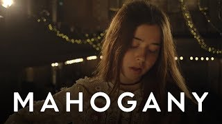 Flo Morrissey - Pages Of Gold | Mahogany Session