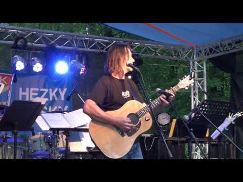 Benefiční koncert pro Verunku v zámeckém parku v Prčici