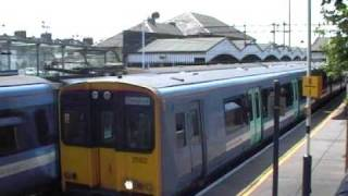 preview picture of video 'Walthamstow Central Station'