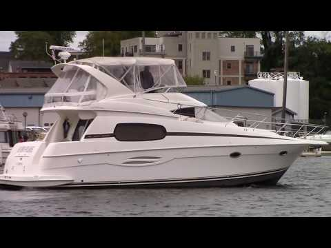 Silverton 410 Sport Bridge video